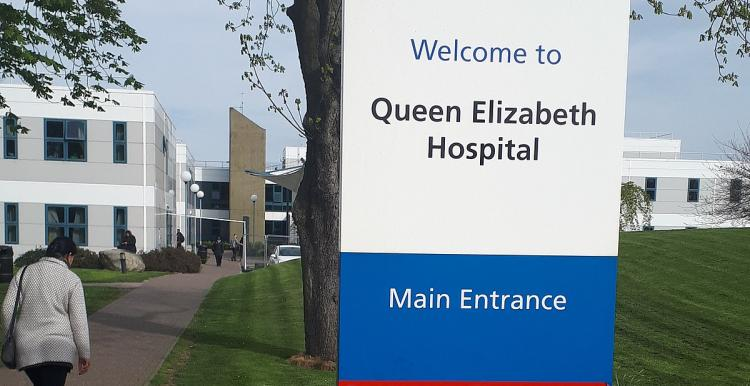 Photo of the entrance to Queen Elizabeth Hospital